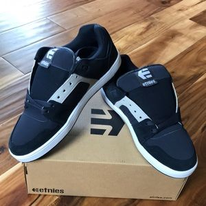 Etnies Sneaker Suede Leather Shoes Sz 10 Men's NWB